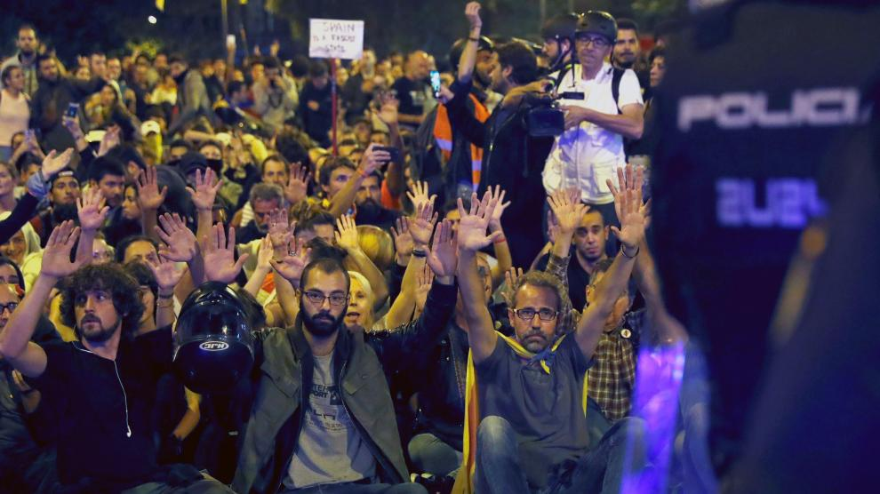 Sexta noche de disturbios en Barcelona