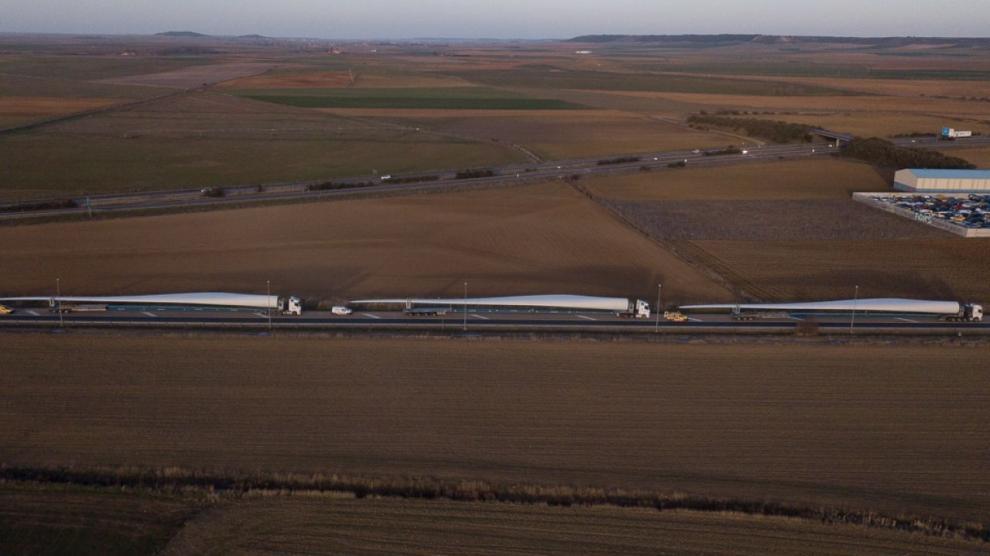Imágenes del traslado de piezas de molino de Transportes Laso, empresa portuguesa líder en el sector.