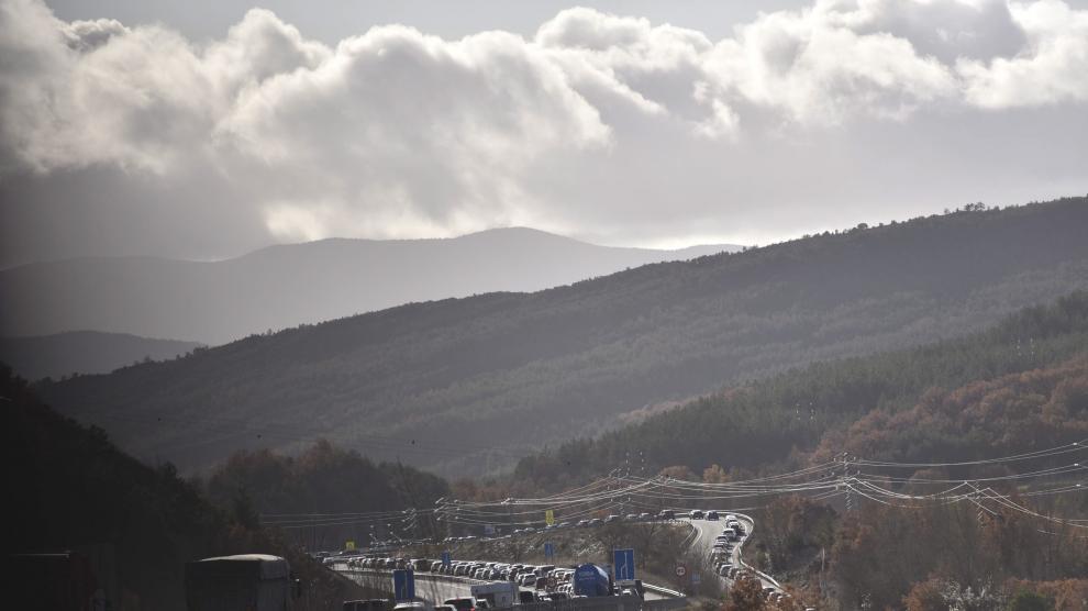 Retenciones de tráfico en el tramo Lanave-Sabiñánigo