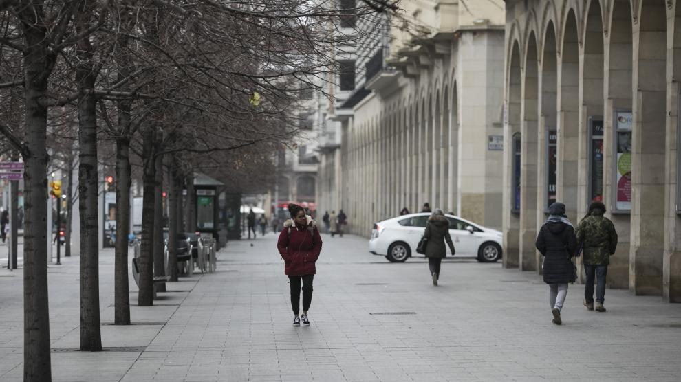 Imágenes de Zaragoza con niebla.
