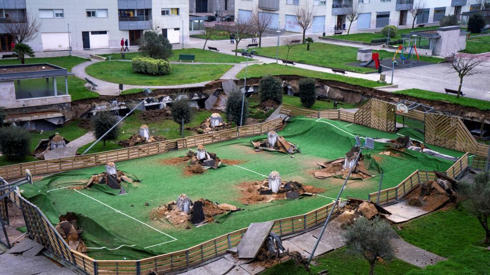 Se hunde un parque infantil en Santander