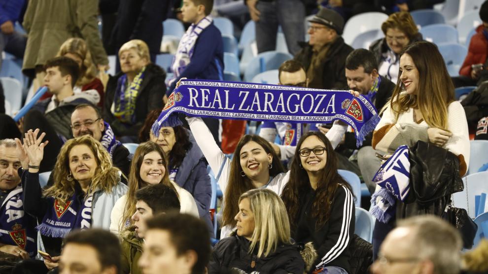 Fotos de la afición en La Romareda durante el partido Real Zaragoza-Real Madrid de Copa del Rey