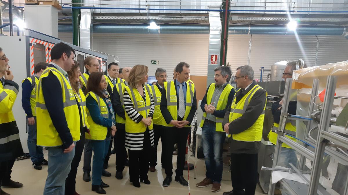 Pedro Duque valora el nivel de los proyectos del Laboratorio de Canfranc