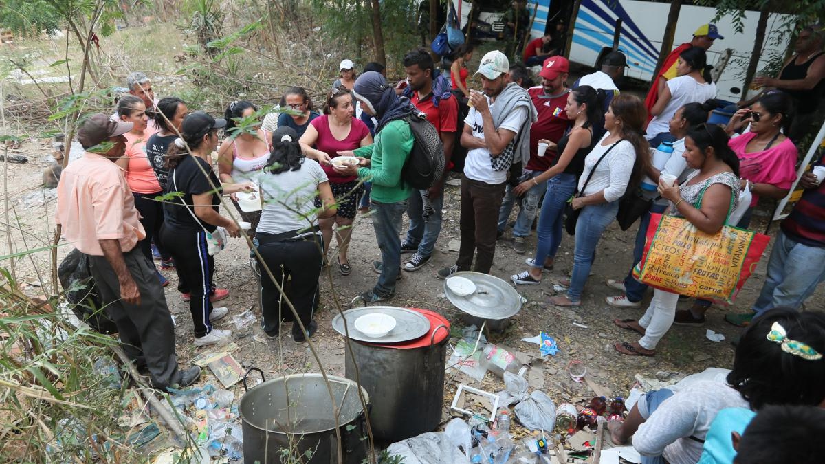 Los venezolanos quedan a la deriva en Colombia por el cierre de la frontera