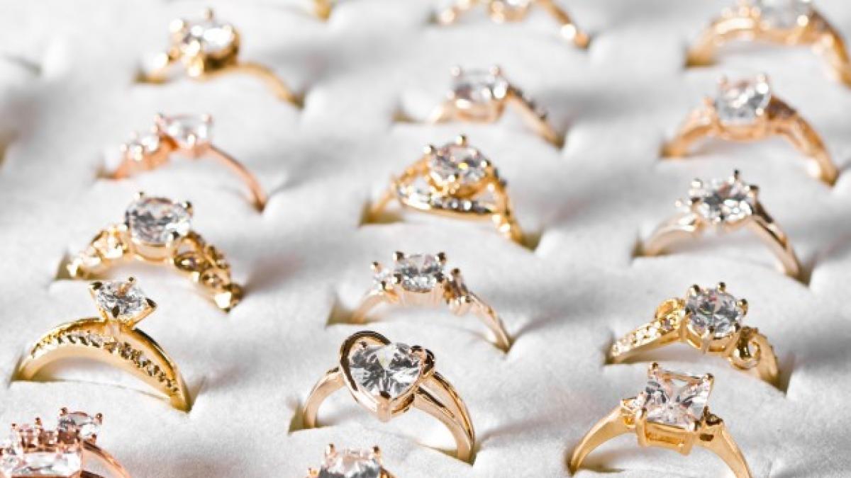 f8fb3228b6f6 Así son los anillos de pedida más caros de los famosos (y el de JLo no es  uno de ellos)