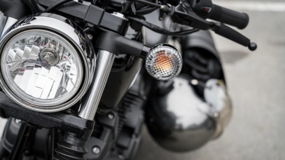 erección accidente de moto