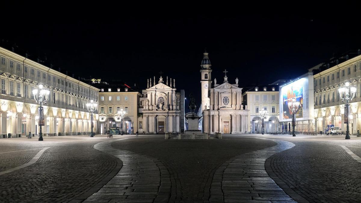 """Картинки по запросу """"piazza san carlo"""""""
