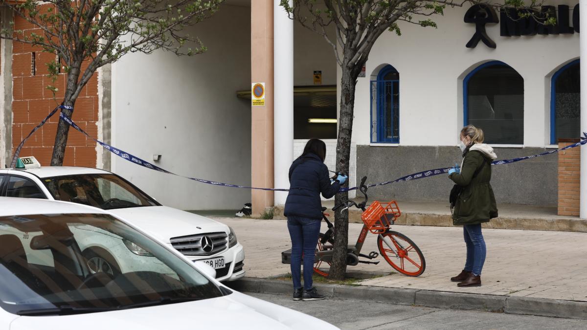 Recibe tres disparos en el pecho cuando salía de su garaje del barrio Jesús para ir a trabajar en Zaragoza
