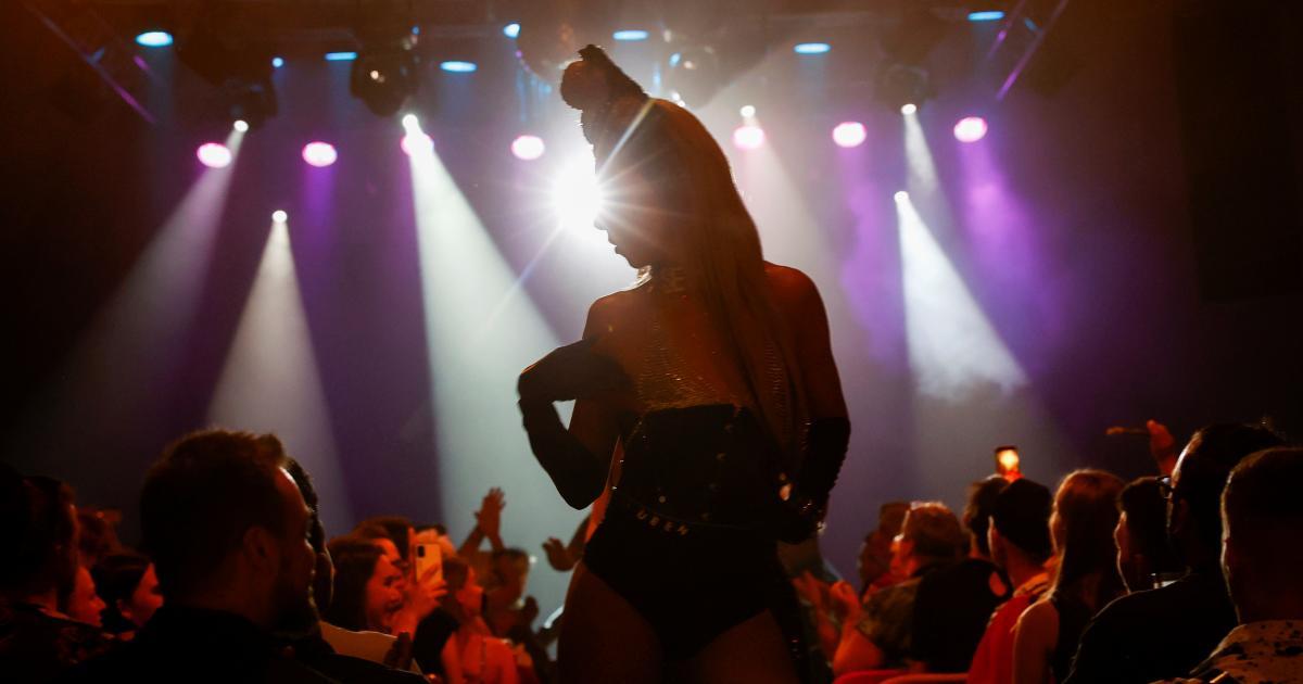 Las Drag Queens de Hungría desafían la ley homófoba de Viktor Orban