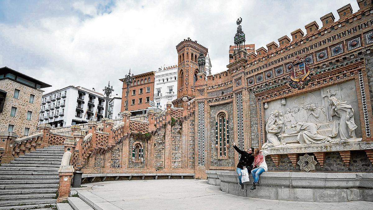 00b8fc601be54 El relieve de la Escalinata será objeto de la primera gran restauración en  ochenta años