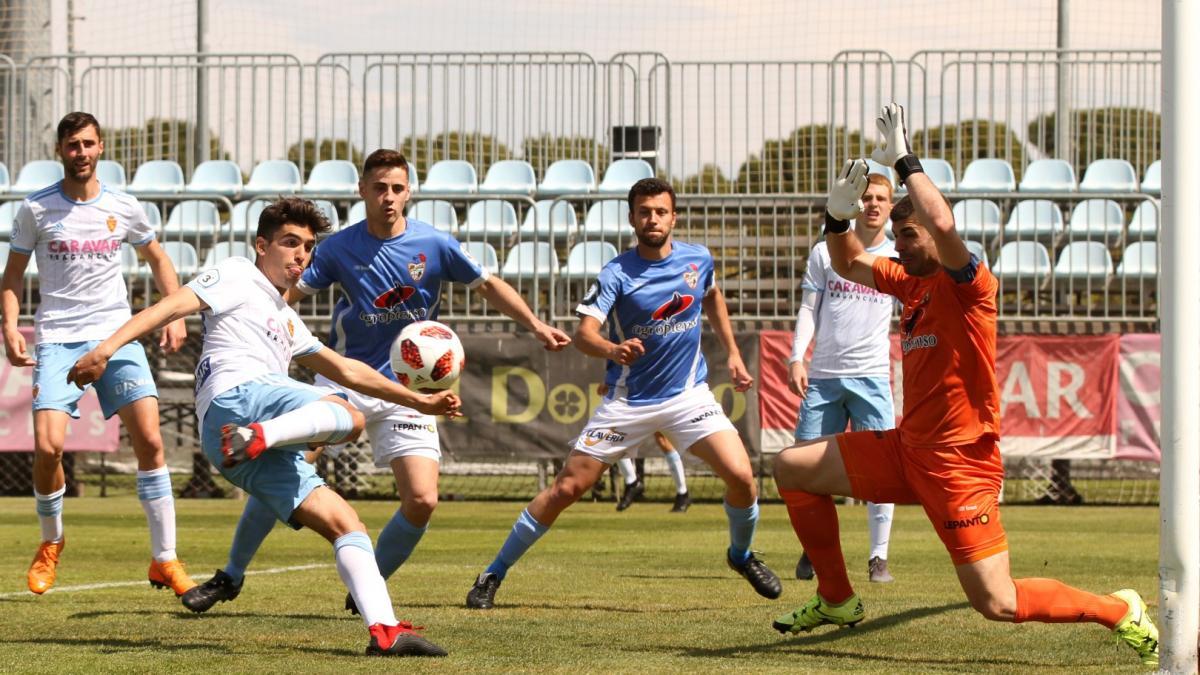 Fútbol Tercera División Grupo 17: Aragón 4 Binéfar 1